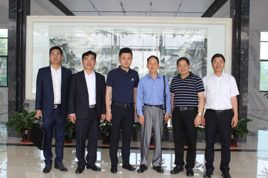 轨道交通领域院士、专家相聚江苏中车城市交通装备有限公司进行项目考察
